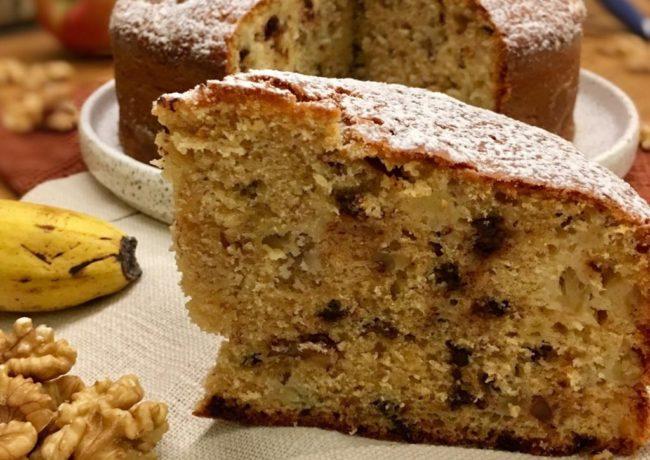 BANANA CAKE CON NOCI, MELA E CIOCCOLATO