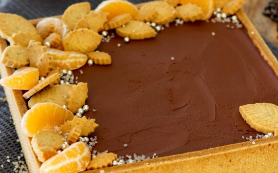 CROSTATA MODERNA CON PASTICCERA AL MANDARINO E MOUSSE FONDENTE